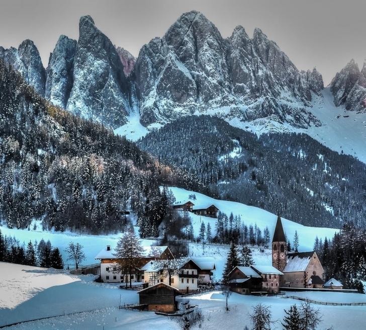 16. Funes, İtalya