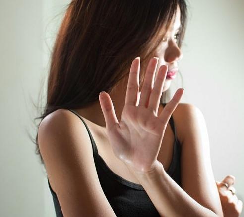 İlişkisi Yeni Bitmiş Birinin Yanında Konuşulmaması Gereken 5 Durum