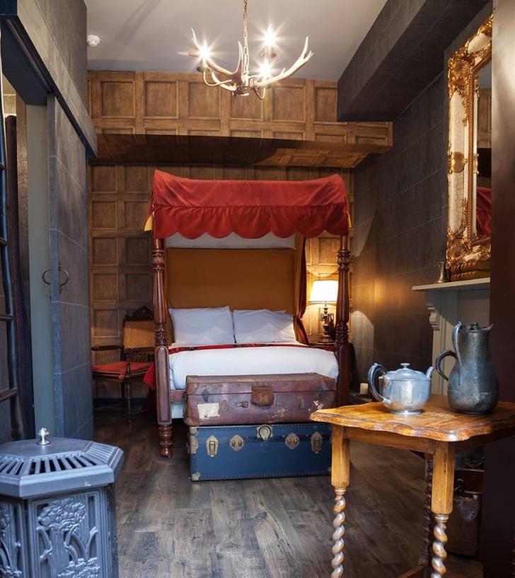 8. Harry Potter Oteli - İngiltere