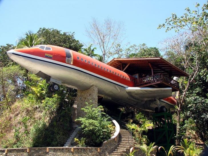 10. Uçak Oteli, Kosta Rika