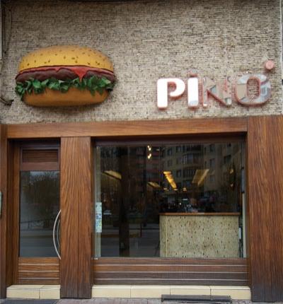 Ve elbette sinemaya gitmeden önce Pino Burger'de hamburgere gömülmeyen de olmamıştır.