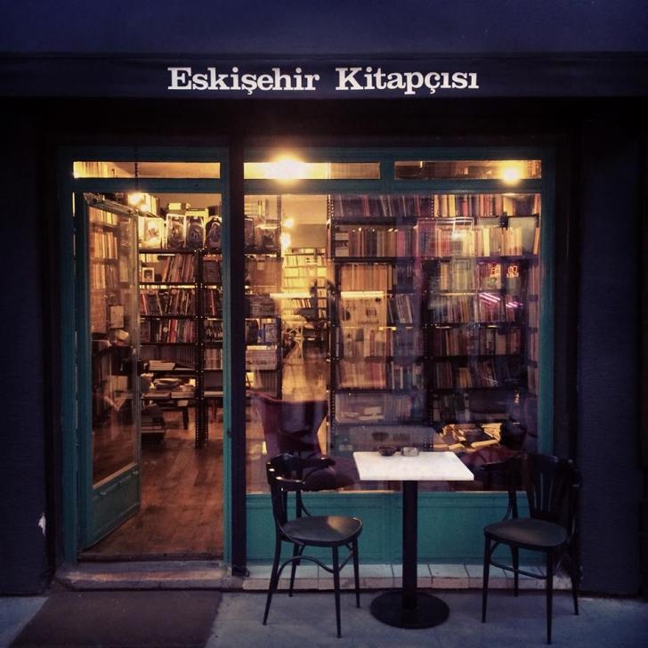 Kitap ,plak ve kafe mekanı Eskişehir Kitapçısı'nı bilmeyen, sevmeyen kimse yoktur.