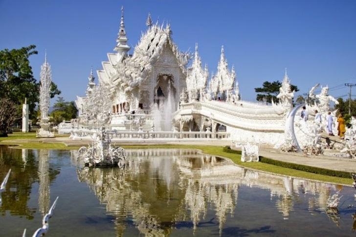 11. Wat Rong Khun Tapınağı (Beyaz Tapınak) - Tayland