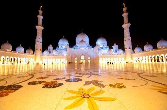 6. Şeyh Zayed Camii - Abu Dabi, Birleşik Arap Emirlikleri