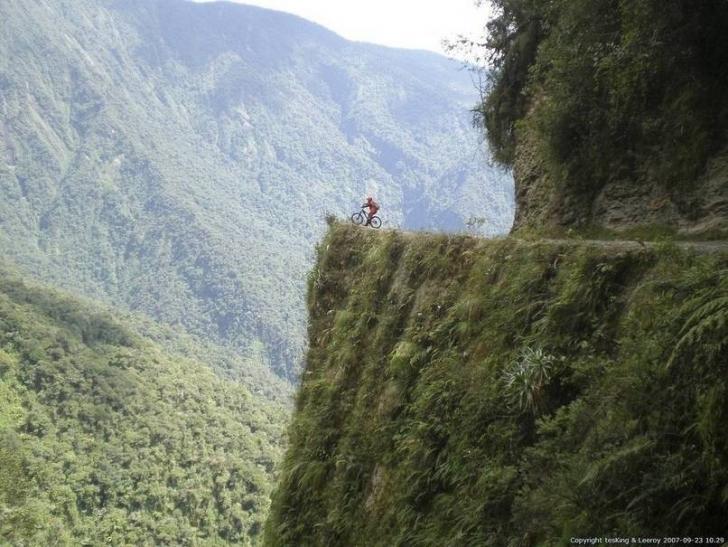 Bolivya'da bisiklete binmek