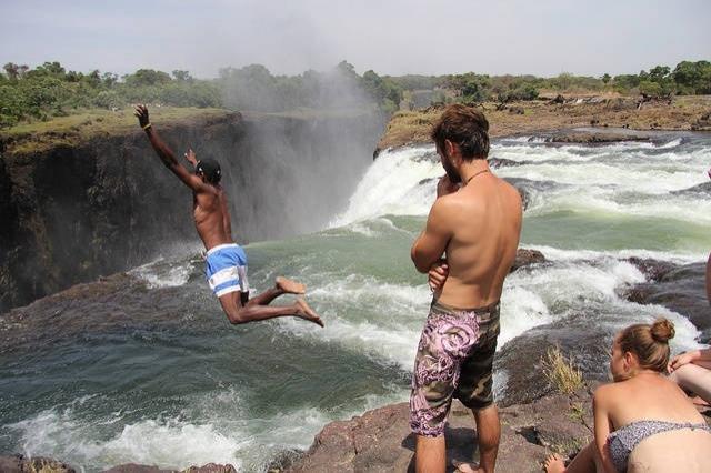 Zambiya'da Şeytan Nehri'ne girmek