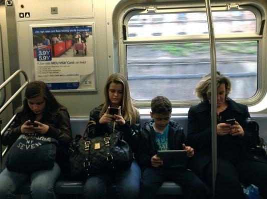 Oyun oynayarak telefonunuzun şarjını bitirmezsiniz.