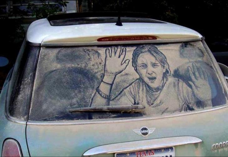 Kirli Araba Camlarına Çizilen Harika Resimler!
