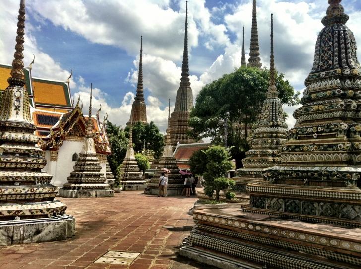Bangkok'taki en eski ve en büyük tapınak. Bangkok / Wat Pho