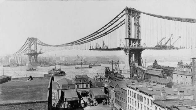 Köprüler nasıl yapılır hep merak ederiz. Manhattan Köprüsü'nün 1909'daki hali.