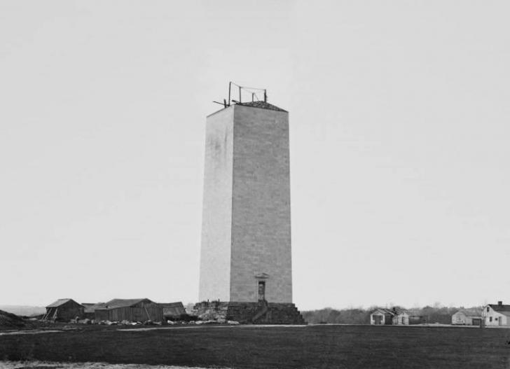 Dünyanın en yüksek dikilitaşı olan Washington Anıtı'nın bitimine pek bir şey kalmamış.