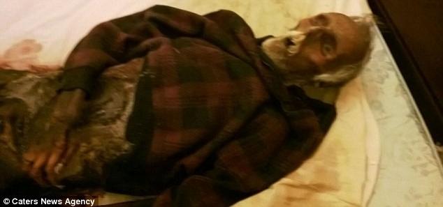 Ölüm Bile Ayıramadı: Kocasının Cesediyle Uyumaya Devam Etti!