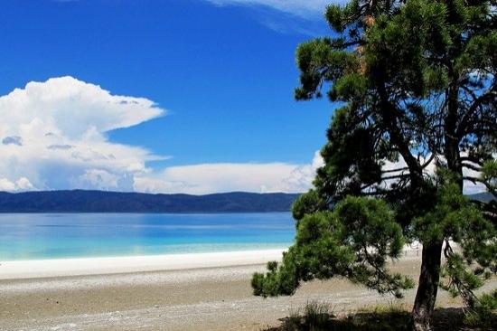Yüksek alkalin içeren ve ekolojik dengesini hala koruyan Salda, suyu en temiz göllerimizin başında geliyor.