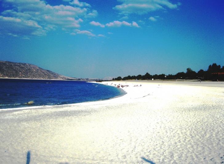 Salda'nın da içinde bulunduğu Göller Bölgesi'nde son yıllarda onlarca gölet inşa ederek başta Burdur Gölü olmak üzere pek çok doğal sulak alanın yok oluşuna zemin hazırlayan DSİ burayı da yok edecek.