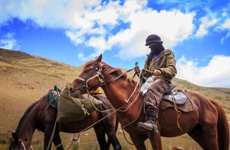 2 Atı ile Yalnız Başına 6 Haftada Kırgızistan'ı Geçen Adamın Macerasından Fotoğraflar