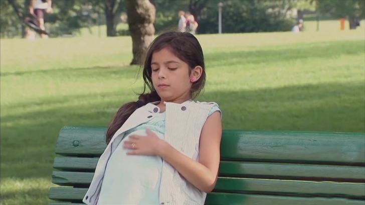 Doğum Yapmak Üzere Olan Küçük Bir Kız Görseydiniz Ne Yapardınız?