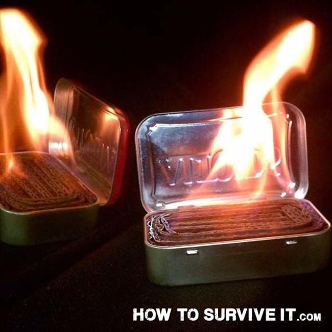 9. Uzun yürüyüşlerde yanınıza içine kıvrılmış mukavva koyulmuş metal şeker kutusu alın. Saniyeler içinde minik bir ısı kaynağına dönüştürülebilir.