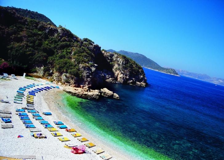 4. Büyük Çakıl Plajı