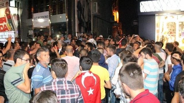 Ülke Karışıyor E Tabi Sosyal Medya Durur Mu Yapıştırmış Cevabı...