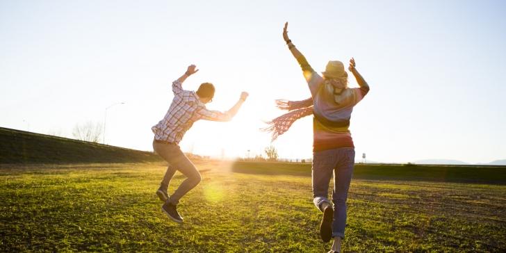 Hayatın Anlamını Bulanlara,  Yanında Mutluluk Hediye Mi?