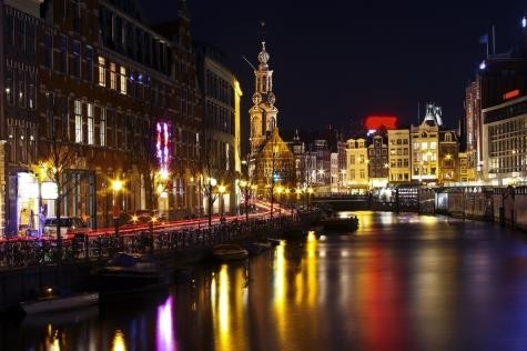 1. Amsterdam (Hollanda)