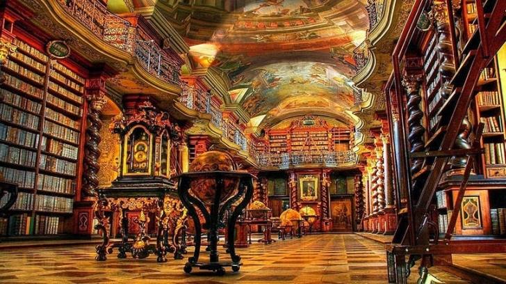 Kütüphane güzel olmasının yanı sıra 20.000'den fazla da kitap içeriyor.