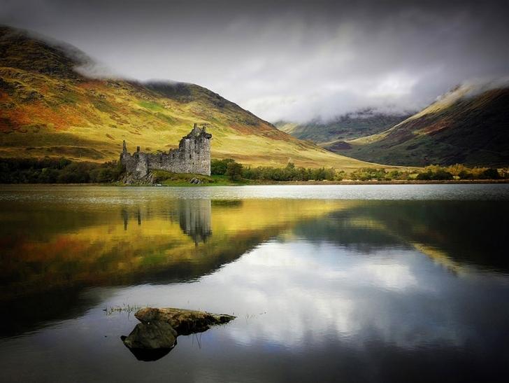 Britanya'da Birleşik Krallık'a bağlı bir ülke olan İskoçya doğal yapısı ile dünyadaki muhteşem ülkeler arasında.