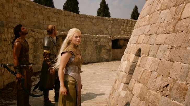 Burayı hatırladınız mı? Khaleesi'nin ''Ejderhalarım nerede ya :'('' diye koşturduğu yer.
