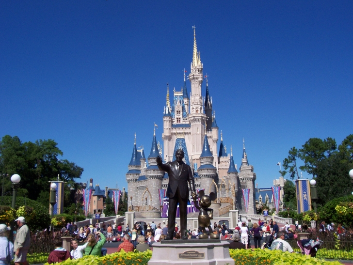 2. Magic Kingdom (Florida - ABD)