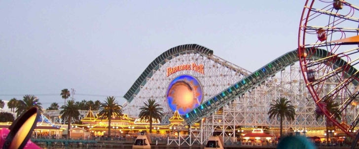 1. Disneyland (California - ABD)