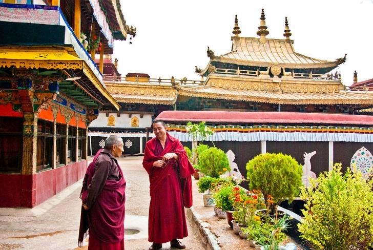 Jokhang Tapınağı'ndan huzura çağrı