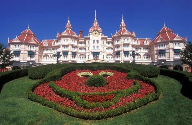 Parc Walt Disney Studios ve Parc Disneyland