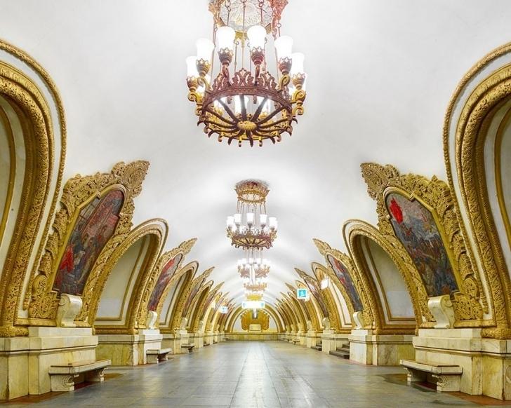 Rusların Saraydan Bozma Metrolarına Turistik Gezi Düzenliyoruz!