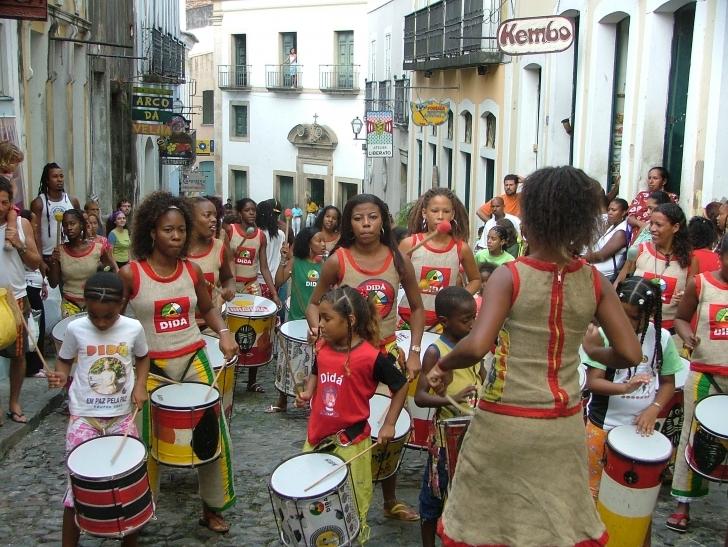 Dans, Parti ve Karnaval Şehri Salvador de Bahia