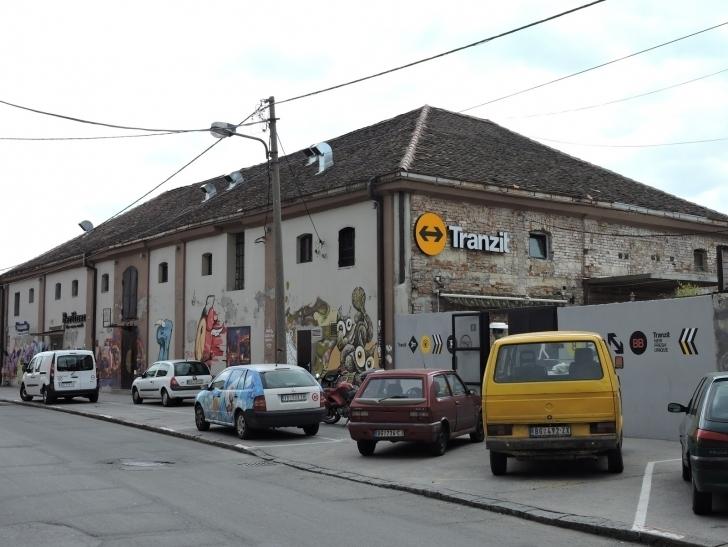 Belgrad bizim için bol bol graffitinin ve ucuz ama çok güzel cafelerin cenneti olan bir şehir.