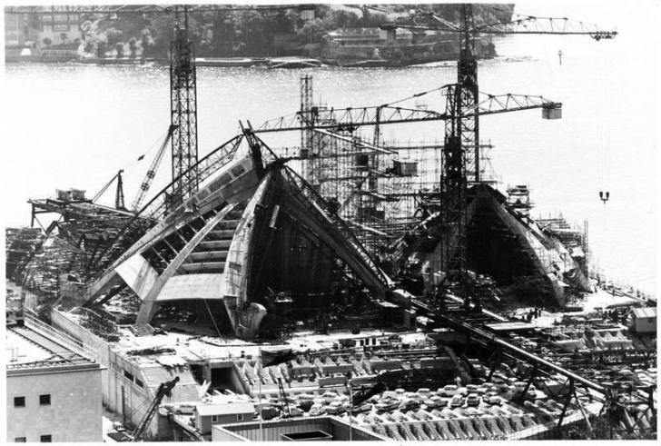 Sdney Opera Binası'nın inşaatı sırasında 1960'lardan bir kare.