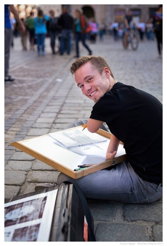Elleri Olmayan Ressam: Mariusz Kedzierski