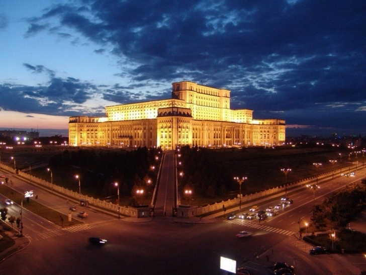Bucharest Palatul Parlamentuluji