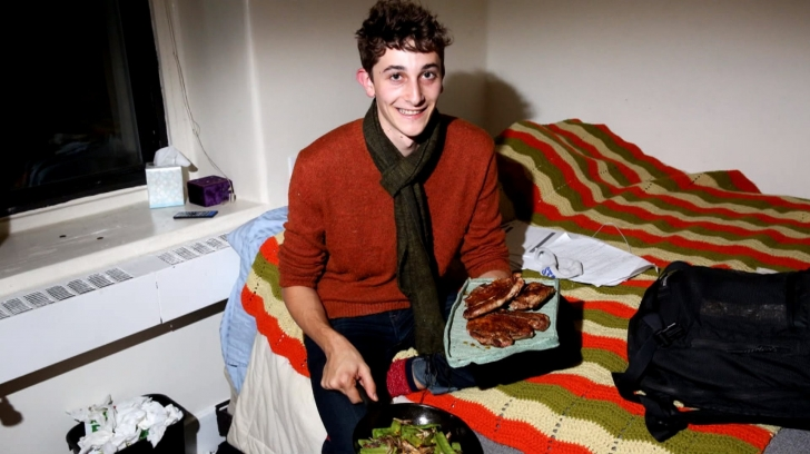 Bir Öğrenci, Yatak Odasını Restorana Dönüştürünce Bakın Neler Oldu!