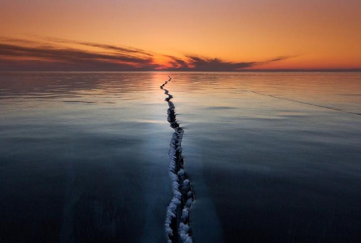 3. Yüzeyin Çatlaması, Baikal Gölü