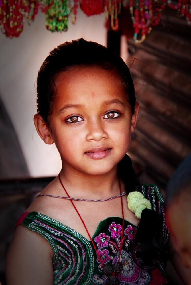 Katdamandu'dan küçük bir kız, Nepal