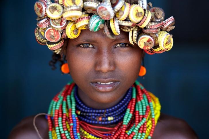 Küçük bir Daasanach'li kız, Etiyopya
