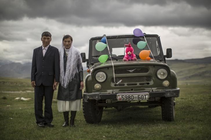 Altay Dağlarında düğün sezonu, Kazakistan