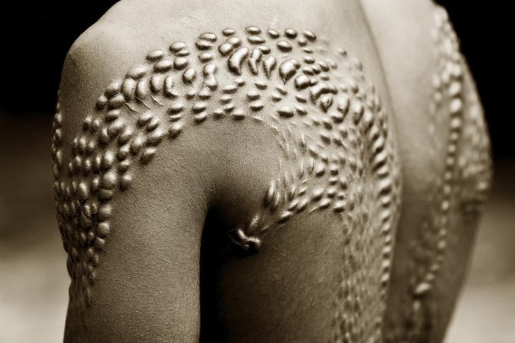 Yara İzi Bırakma Ritüeli, Orta Sepik, Papua Yeni Gine