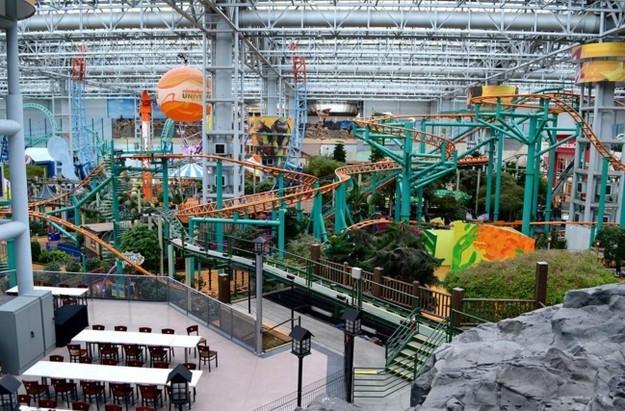 Mall of America Alışveriş Merkezindeki süs havuzları ayda 2.000 Dolar kazandırıyor.