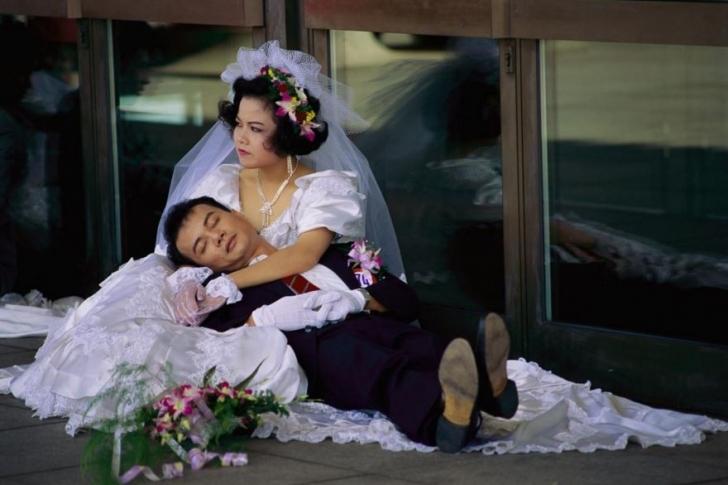 Büyük bir düğün merasimiyle dünya evine girdikten sonra gelin ve damat Tayvan'da dinleniyor.