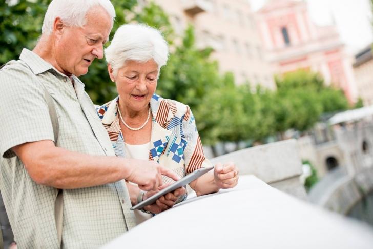 Emeklilerin Kullanması Gereken 12 Muazzam Yararlı Telefon Uygulaması