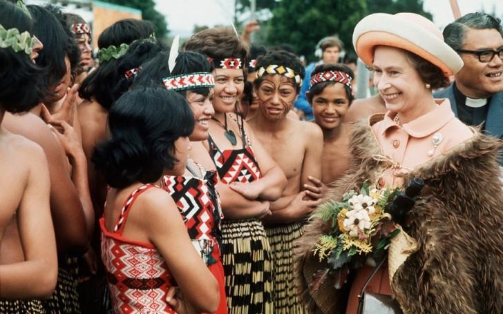 Kraliçe Elizabeth'in Gezileri