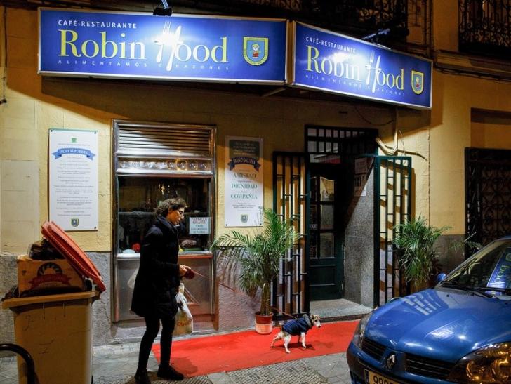 İnsanlığın Ölmediğini Kanıtlayan Modern Robin Hood'un Helal Olsun Papaz Efendi Dedirtecek Hikâyesi