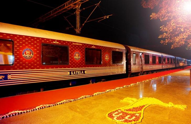 Beş Yıldızlı Otelleri Solda Sıfır Bırakan Hindistan'ın En Lüks 3 Treni